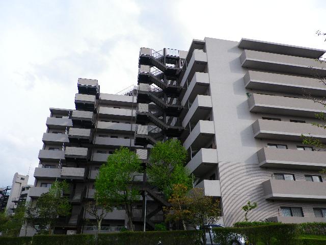 【買主様】  「 今住んでいる分譲マンション賃貸物件を購入できるのだろうか・・・? 」    【売主様】  「 分譲マンション賃貸物件を売却するか、持ち続けるか・・・   どちらが得策? 」