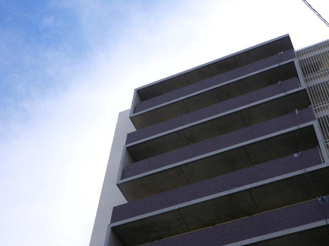「 新築マンション一棟(1LDK×27戸、平置駐車場×11台)、  初めての不動産賃貸運営にチャレンジ!  一番賢いやり方はどんな方法? 」