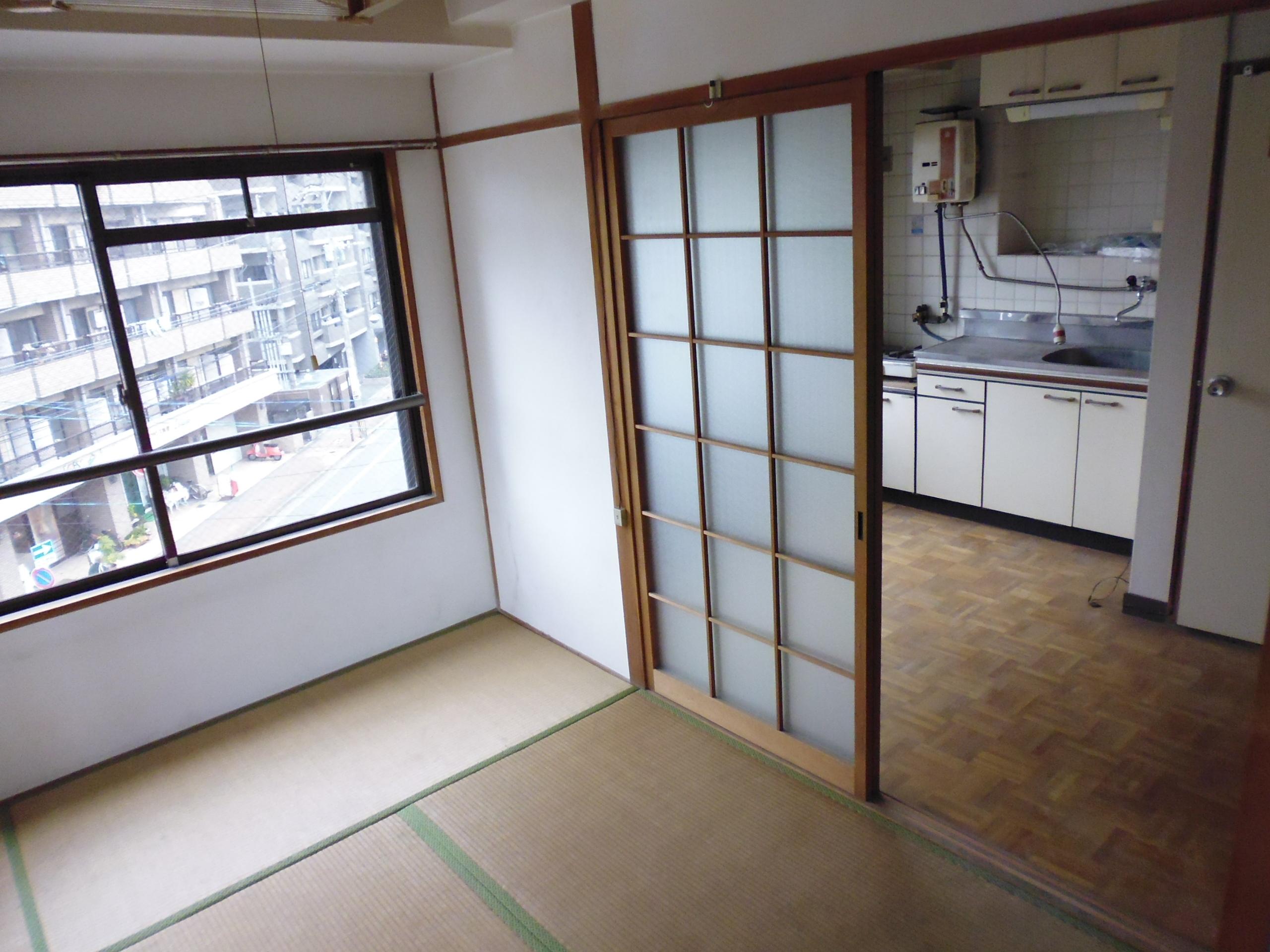 「 空室が多く、ほとんど未活用の築32年鉄筋コンクリート造賃貸マンション(テナント×1戸、住戸×13戸)を再生させるには・・・? 」